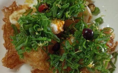 Huevos fritos con jugo de Jengibre y limon