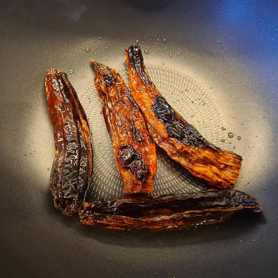 Mole poblano con albóndigas y ñoquis de papa - Un sitio de gastronomía - mayo 30, 2021