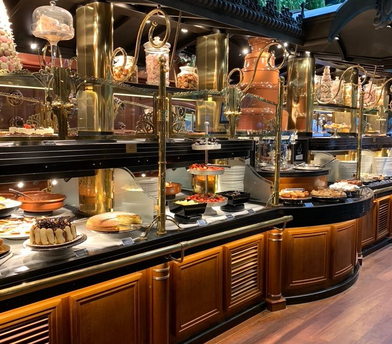 Les grand buffets – Narbone – Francia